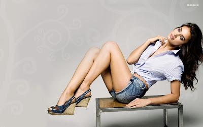 Irina Shayk Stunning Model HD Wallpaper 005,Irina Shayk HD Wallpaper