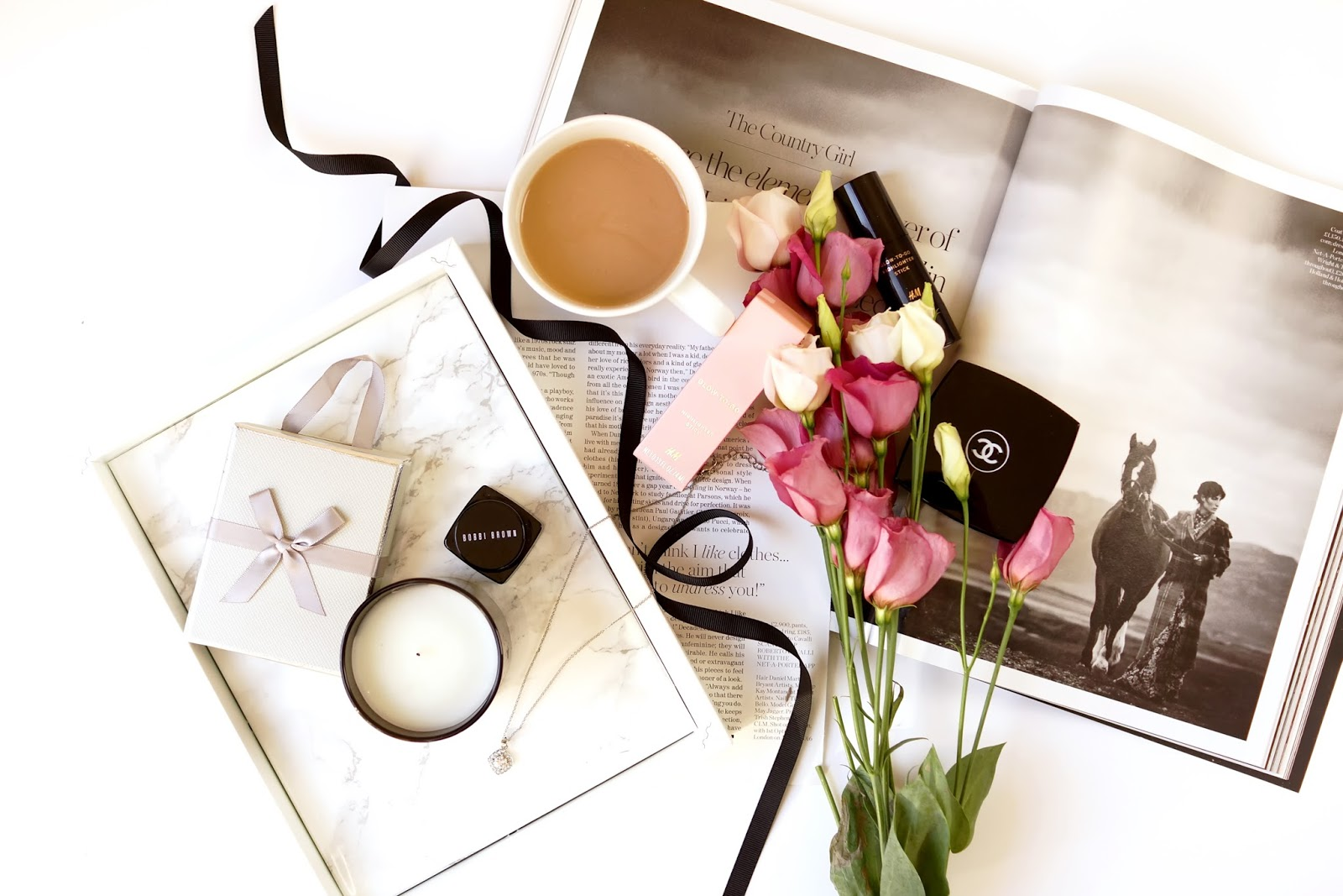 start-your-year-right-2017-flatlay-lifestyle-photography-blog-barely-there-beauty