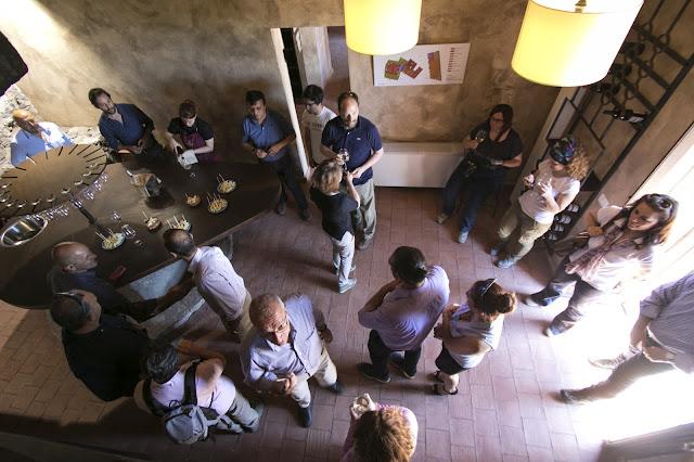 Ragalna-Enoteca delle strade del vino dell'Etna