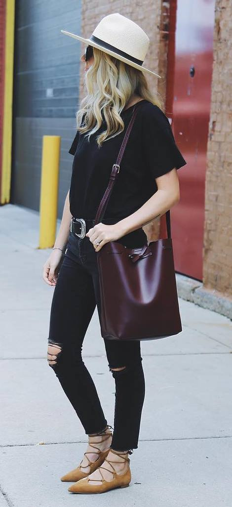 summer casual style outfit: hat + t-shirt + bag + rips