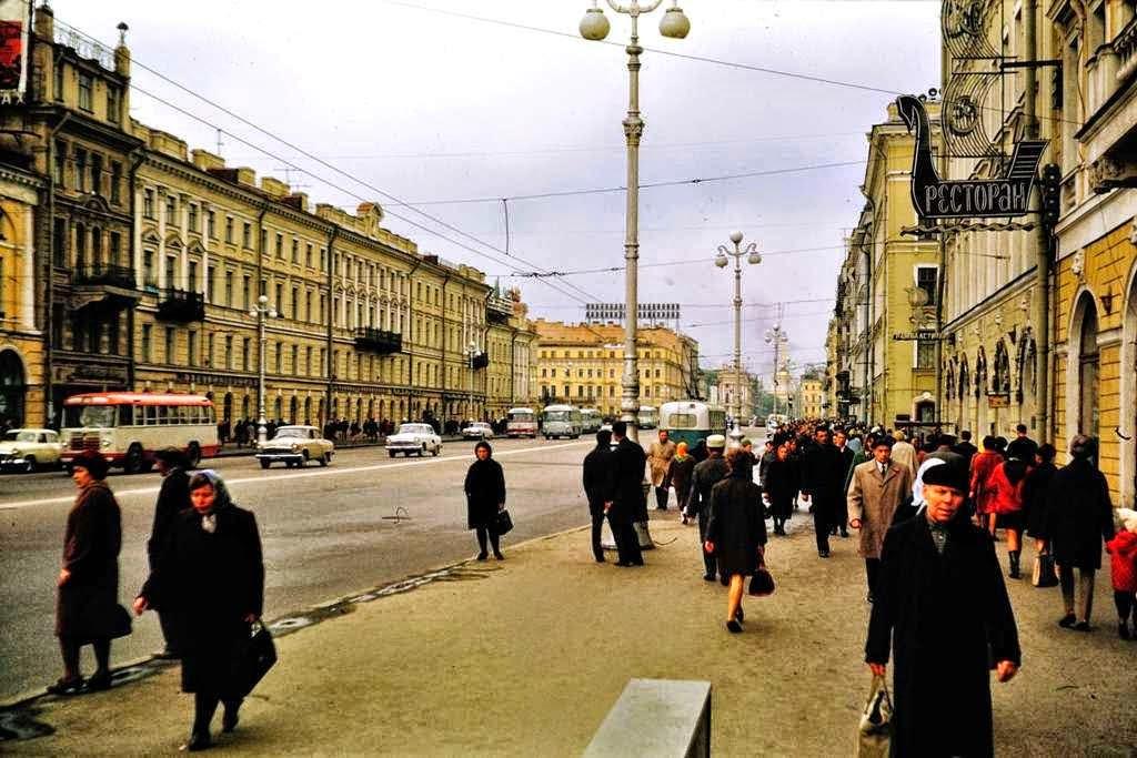 счастливому человеку ретро фото ленинграда чего расспрашивала