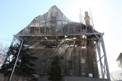 Αγώνας δρόμου για την αποκατάσταση του τεμένους Βαγιαζήτ