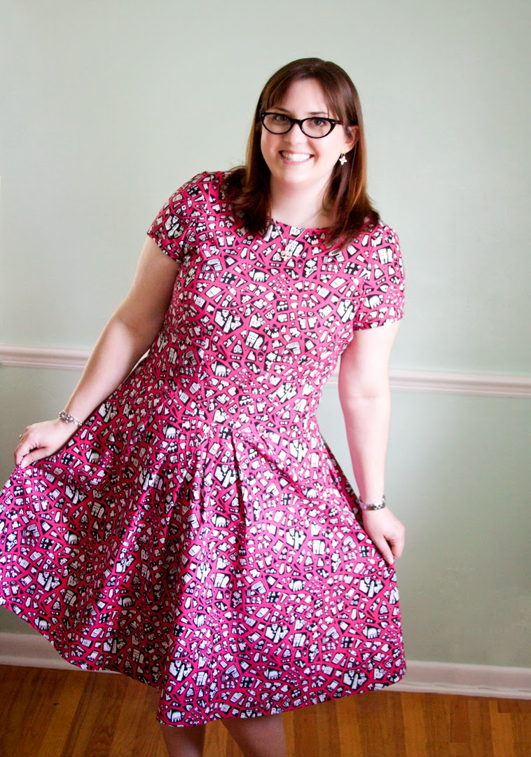 This is my very first iteration of Simplicity 2444, that much beloved  pattern the entire blogosphere over. Sewing bloggers have sung this  patterns praises ...