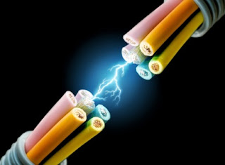 sejarah penemuan listrik pertama kali,sumber listrik berupa elemen basah biasa disebut,sumber utama energi listrik,sejarah listrik dan perkembangannya,singkat listrik,penemuan michael faraday,