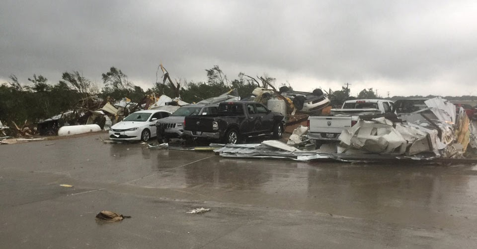 Randall Noe Dodge >> Vicious Tornado Destroys FCA Dealership In Texas