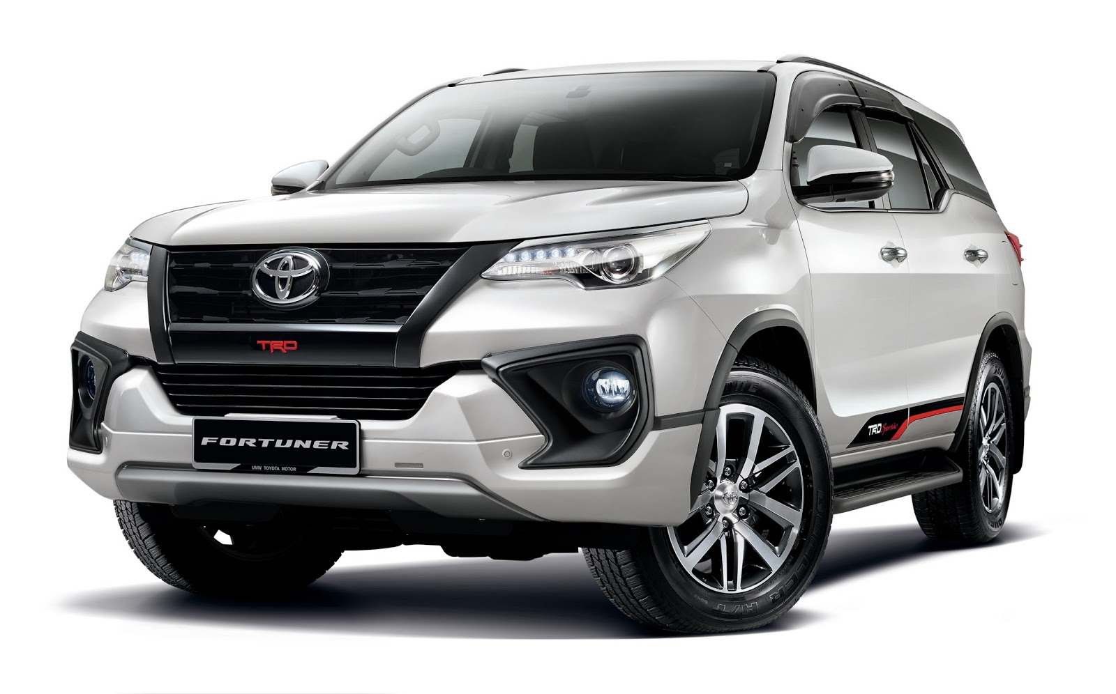 Umw toyota are taking bookings for new variants of the toyota fortuner 2 4 vrz 4x4 4x2 the upgraded toyota hilux and the toyota innova 2 0x