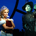 Idina Menzel e Kristin Chenoweth vão participar do especial da NBC de 15 anos de 'Wicked'