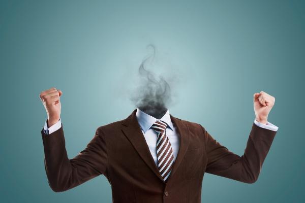 5 اشارات تنبّهك بانك تحترق من الداخل