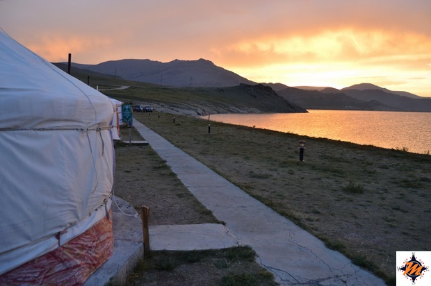 Tramonto sul Terkhiin Tsagaan nuur
