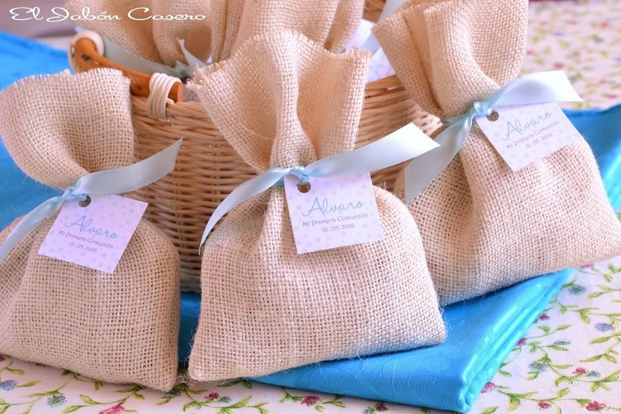 Detalles para comuniones saquitos personalizados con jabones naturales
