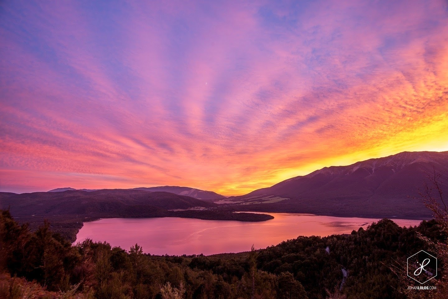 Lake Rotoiti - He Traveled Around New Zealand In A Camper Van… This Is What He Saw.