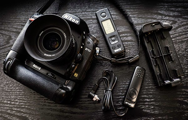 About Photography: Third-party Battery pack available for