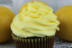 The Best Lemon Buttercream Frosting Recipe