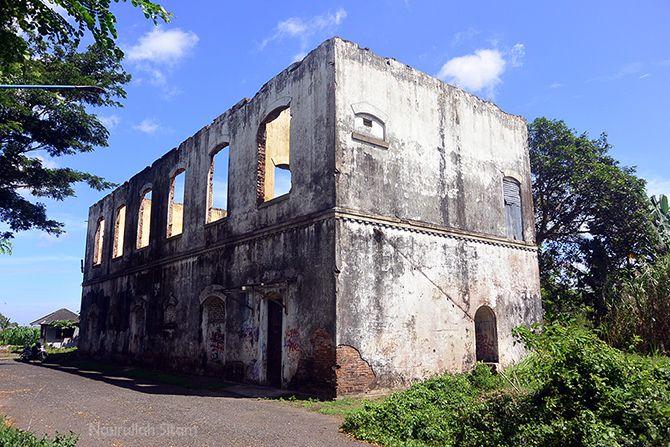 Bangunan Tua di Komplek Pelindo Cilacap