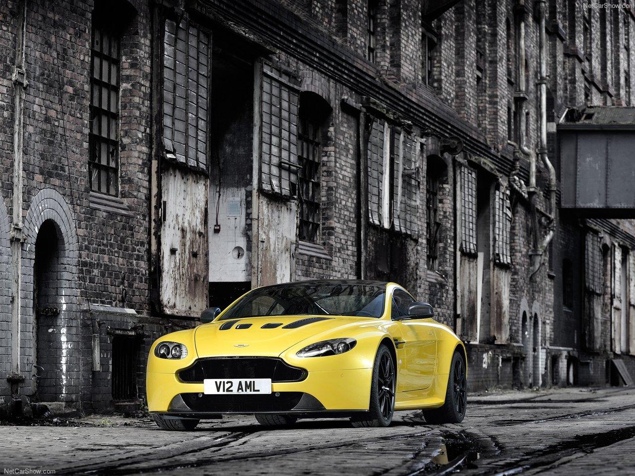 Aaa Luxury Sports Car Rental 2014 Aston Martin V12 Vantage S