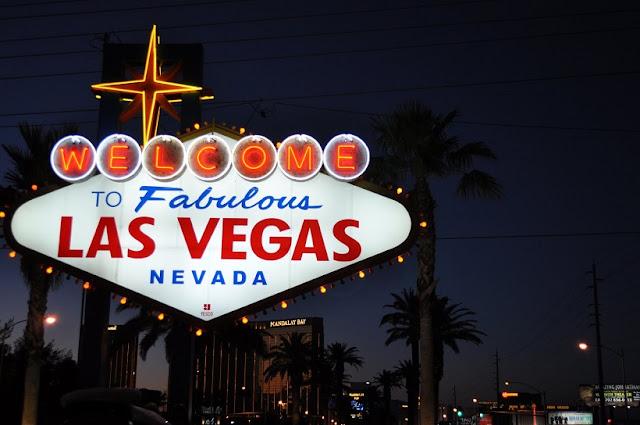 Foto na placa Welcome to Fabulous em Las Vegas