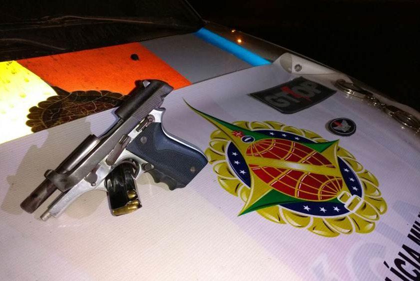 No Morro da Cruz vendendor de armas é preso.