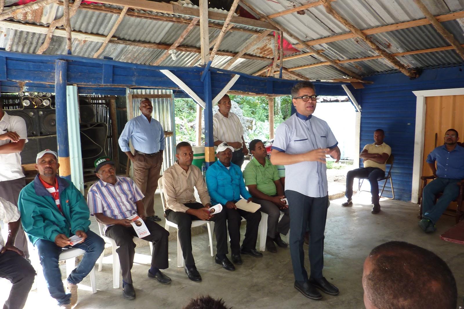 NEIBA: Carlos Peña critica males afectan al país; escucha necesidades de Bahoruco