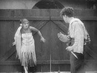 "Кадр из фильма Чарли Чаплина ""Пародия на Кармен"" / Burlesque on Carmen (1916) - 24"