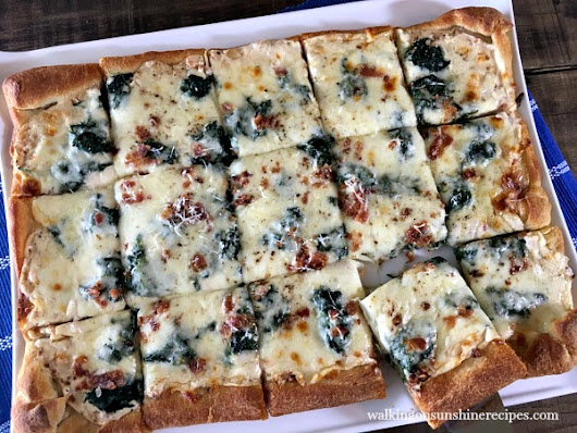 Recipe: Bacon and Spinach Alfredo Pizza