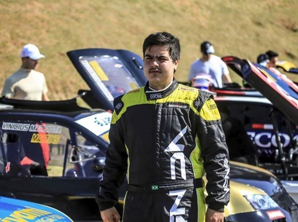 Piloto da Stock Car morre em acidente envolvendo caminhão em SP