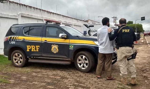 Em Pimenta Bueno, PRF prende andarilho que estava foragido