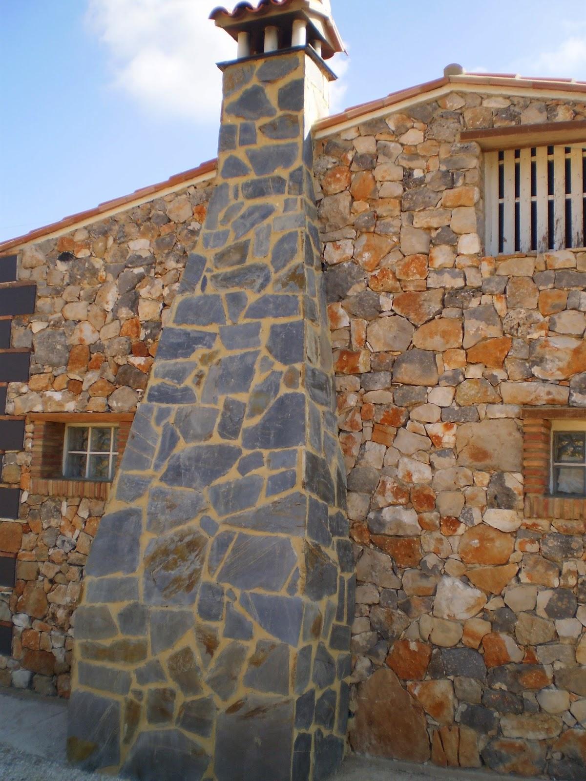 Ver chimeneas rusticas stunning al calor del fuego de una - Tiros de chimeneas rusticas ...