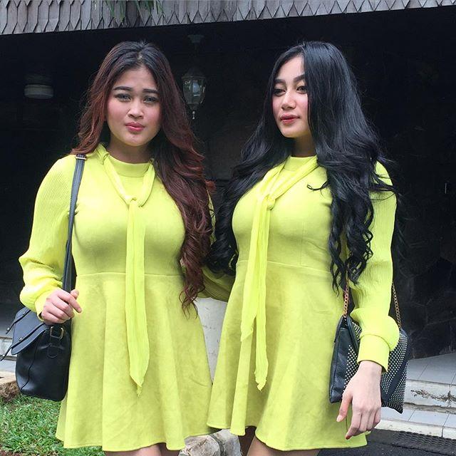 Image Result For Pamela Safitri Duo Serigala Seksi Selfie Dangdut