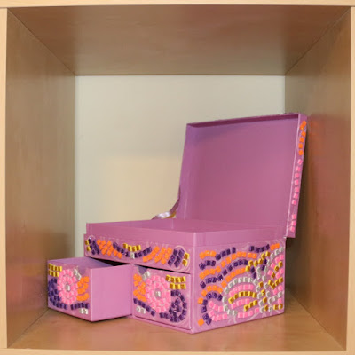 AFTER Craft Time Mosaics: My Pretty Jewellery Box by Brainstorm - preschooler toy review