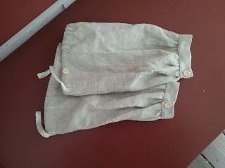 Over-sleeve or sleeve protector of linen, Victorian 19th century reproduction.