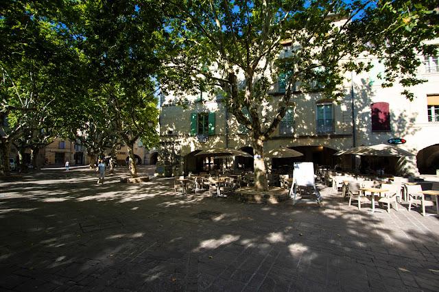 Place aux erbes-Uzes