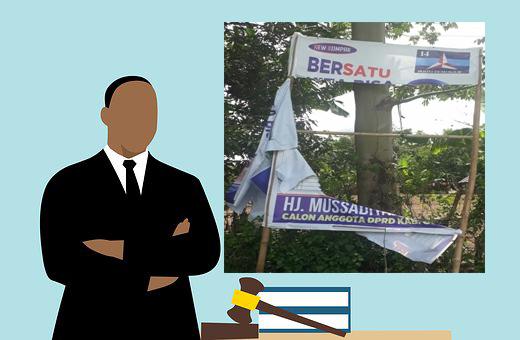 merusak baliho spanduk kampanye