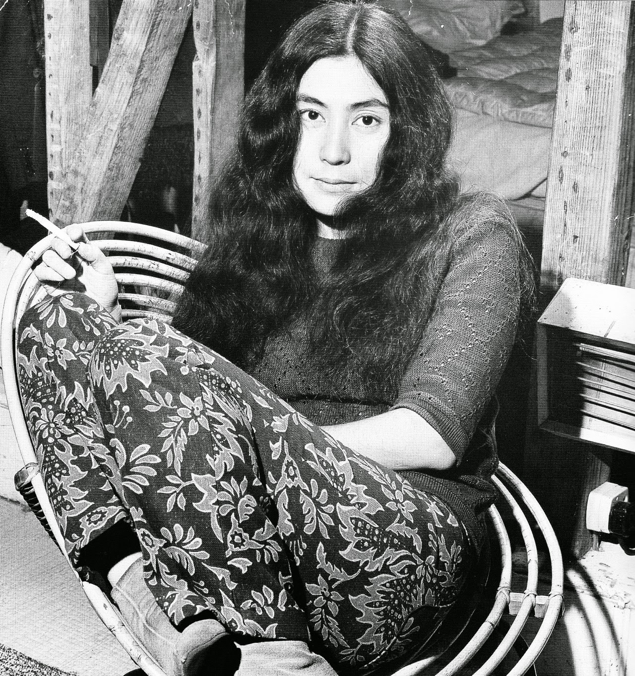 Rare Portraits Of Yoko Ono In The Early 1960s, Before She