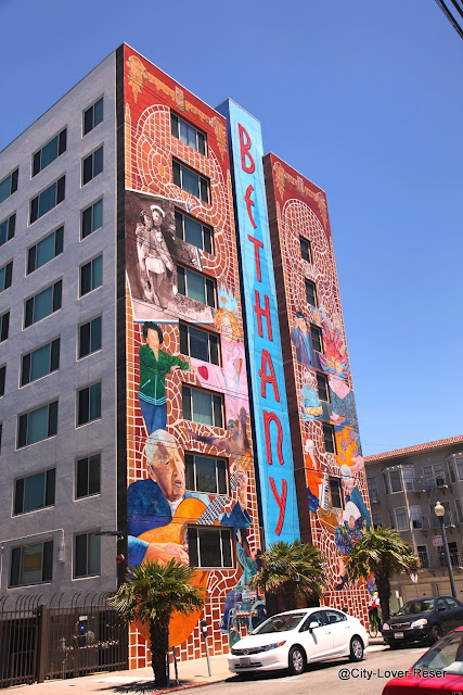 San Francisco - Mission District murals
