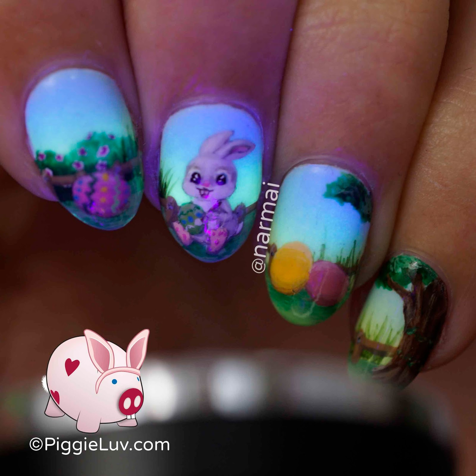 PiggieLuv: Painting Easter eggs nail art