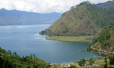 Contoh 5 Danau Tektonik di Indonesia