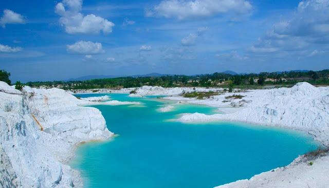 Wisata Danau Koalin Belitung Selatan