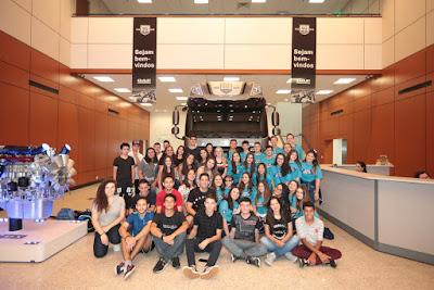 DAF recebe alunos na fábrica de Ponta Grossa