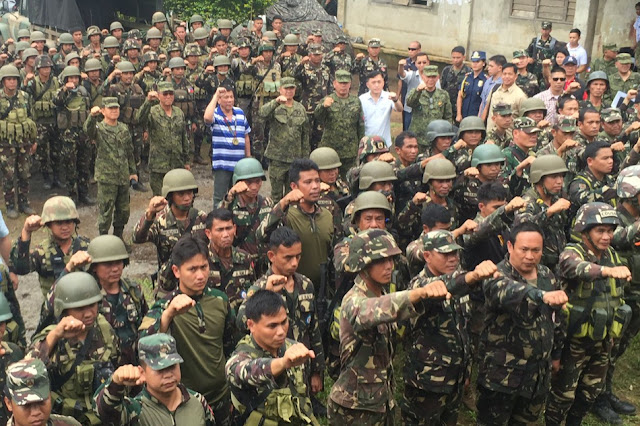 Duterte to Maute Terrorists: 'Ayaw kong makipag-away sa inyo. Ayaw kong makipagpatayan, but please do not force my hand.'