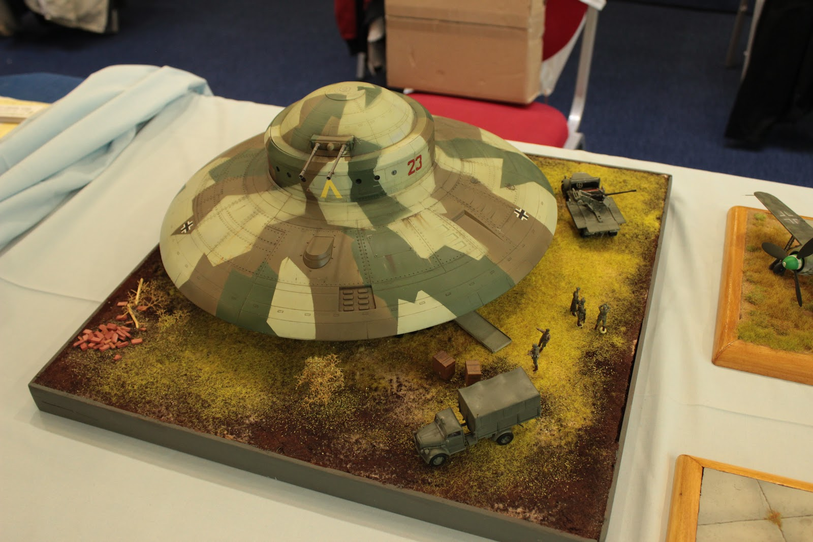 Maquettexpo 2017 14-15 octobre Hyères - Page 4 IMG_4280