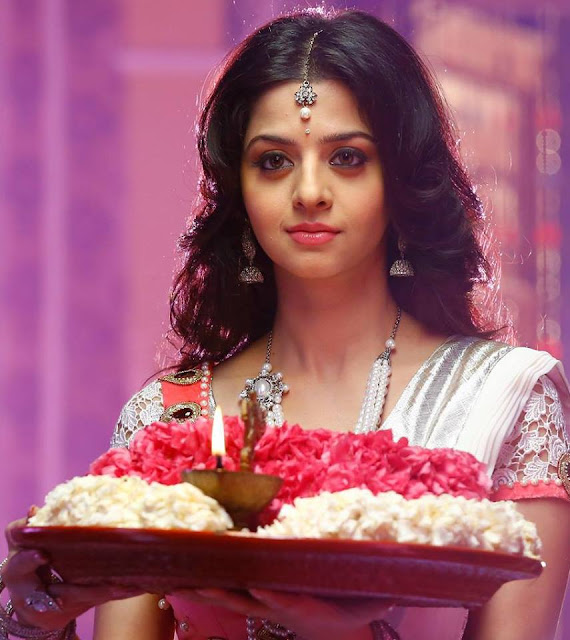 Vedhika Kumar actress age, upendra, baby, marriage, movies, images, photos, wiki, biography