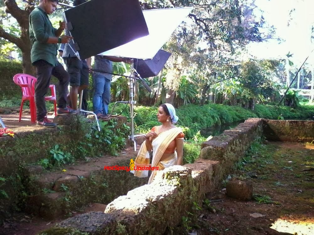 Manju Warrier Latest Hot Photos In Saree « Mallufun.com