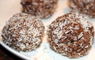 recept; recepten; zoet; dadel; dadels; noten; kokos; cacao; chocolade