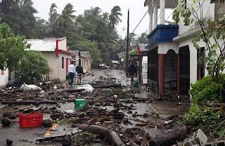 ولاية فلوريدا الأمريكية تعيش ساعات الرعب مع اقتراب الإعصار إيرما