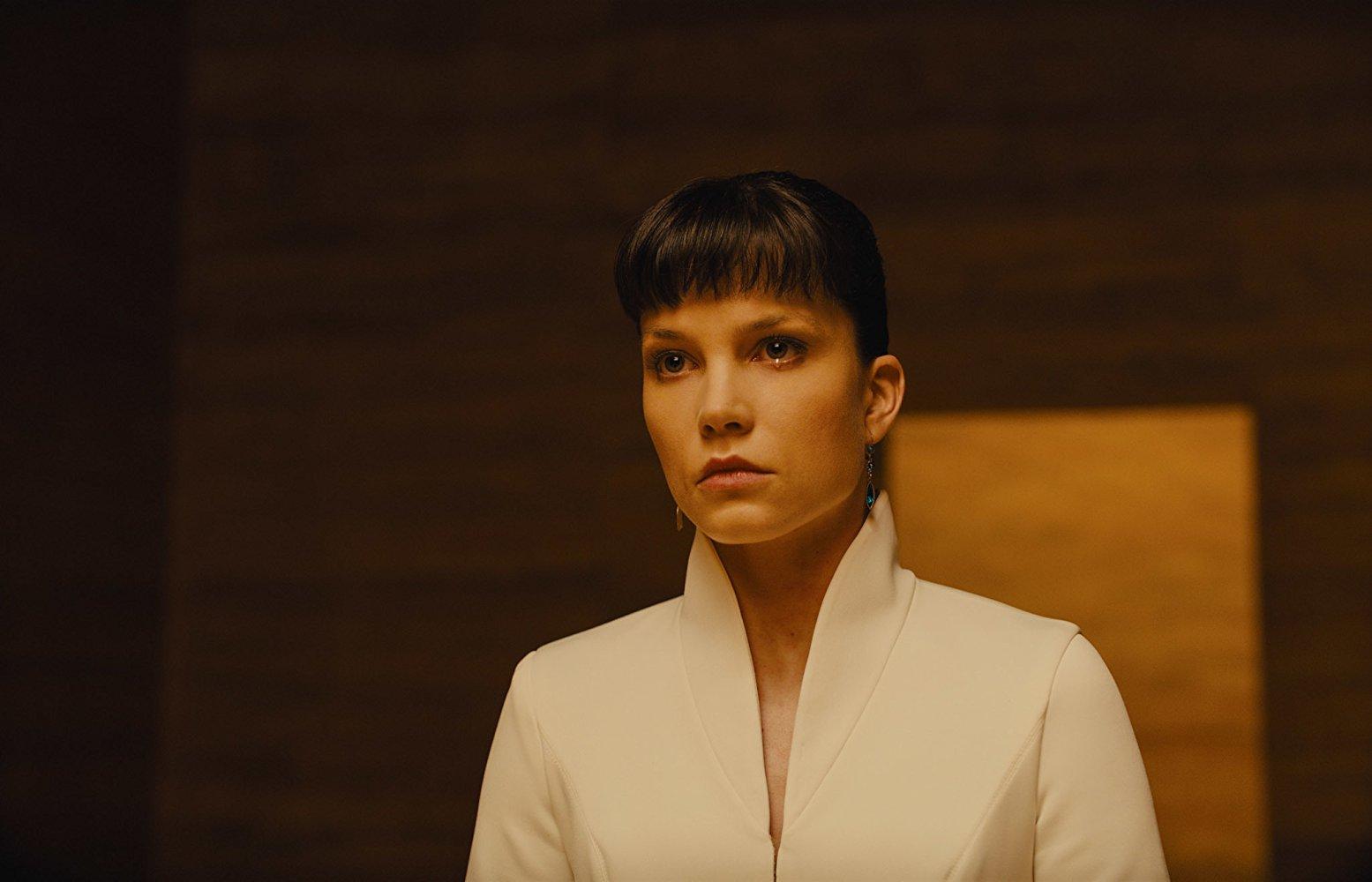 Бегущий по лезвию 2049, Бегущий по лезвию, Blade Runner 2049, Blade Runner, продолжение, Дени Вильнёв, фантастика, драма, киберпанк, SciFi, Drama, Cyberpunk, обзор, рецензия, без спойлеров, Review
