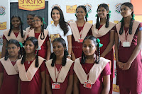 Actress Priya Anand in T Shirt with Students of Shiksha Movement Events 11.jpg