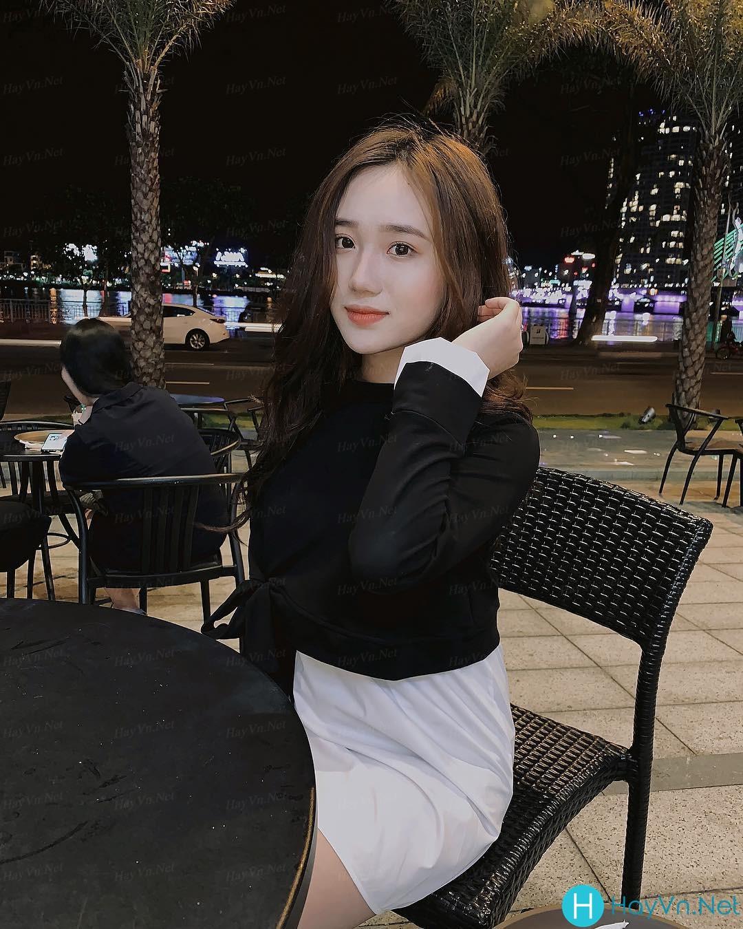 Model Hồng Vân | E-CUP