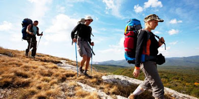 perlengkapan mendaki gunung untuk wanita