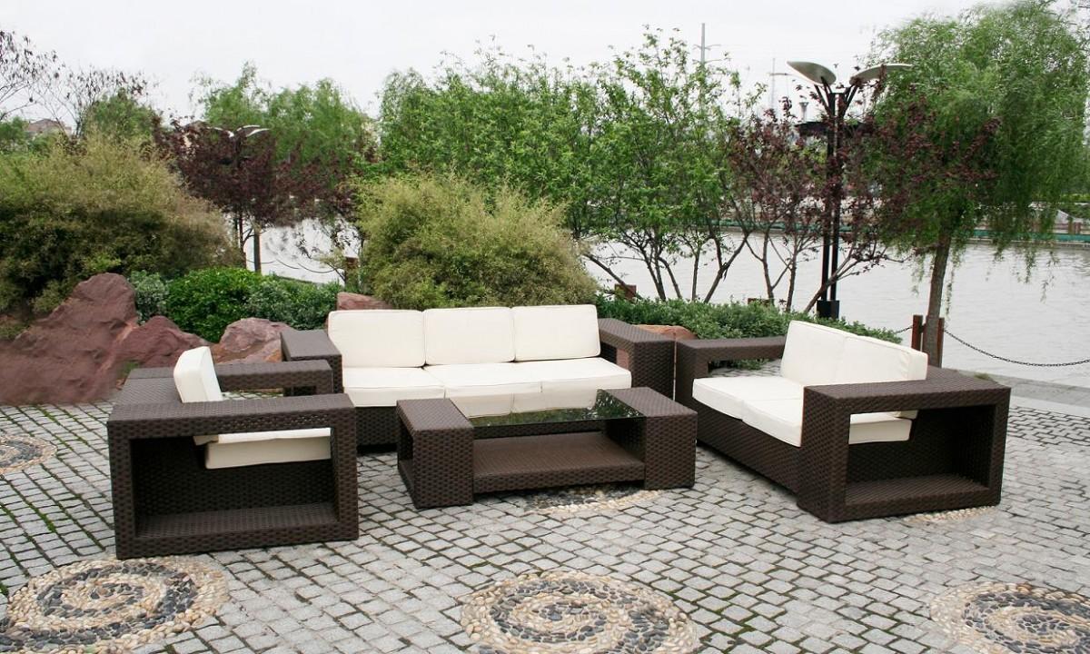 5 Tips Memilih Furniture / Mebel untuk Outdoor atau Luar Ruangan yang Tahan Lama