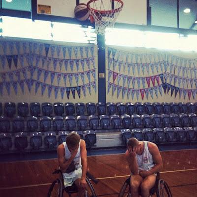 Basketball im Rollstuhl Fail lustig